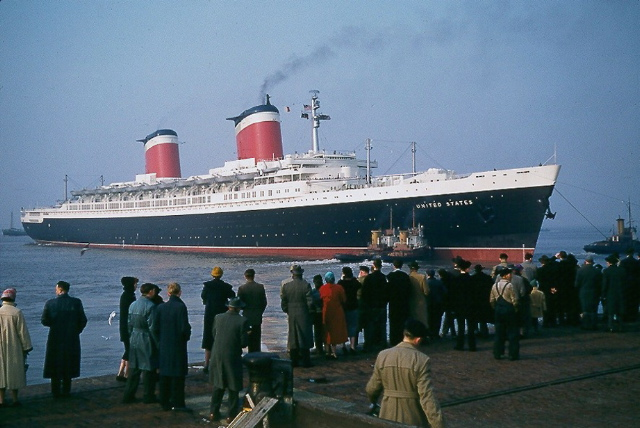 The ss united states arriving at bremerhaven columbus bahnhof - germany