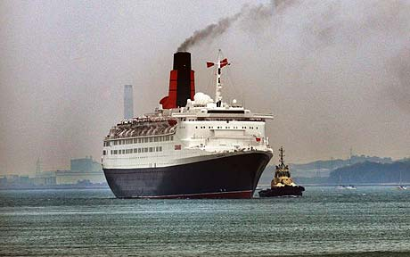 CUNARD LINES LEGENDARY QE RUNS AGROUND TODAY ON FINAL VOYAGE - Qe2 cruise ship