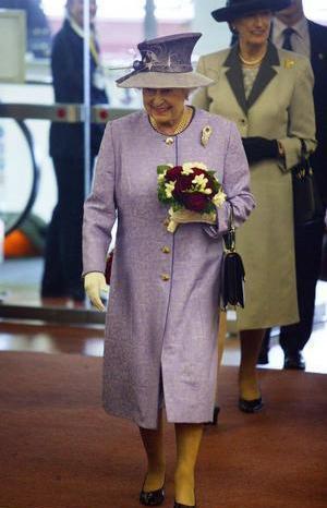 queen_elizabeth_ii_1897915.jpg