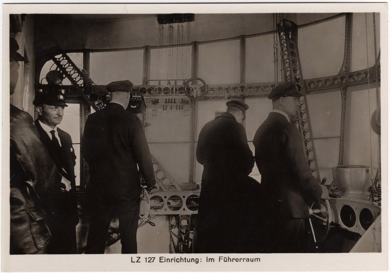 graf-zeppelin-control2-012a dans Photographies du monde d'autrefois