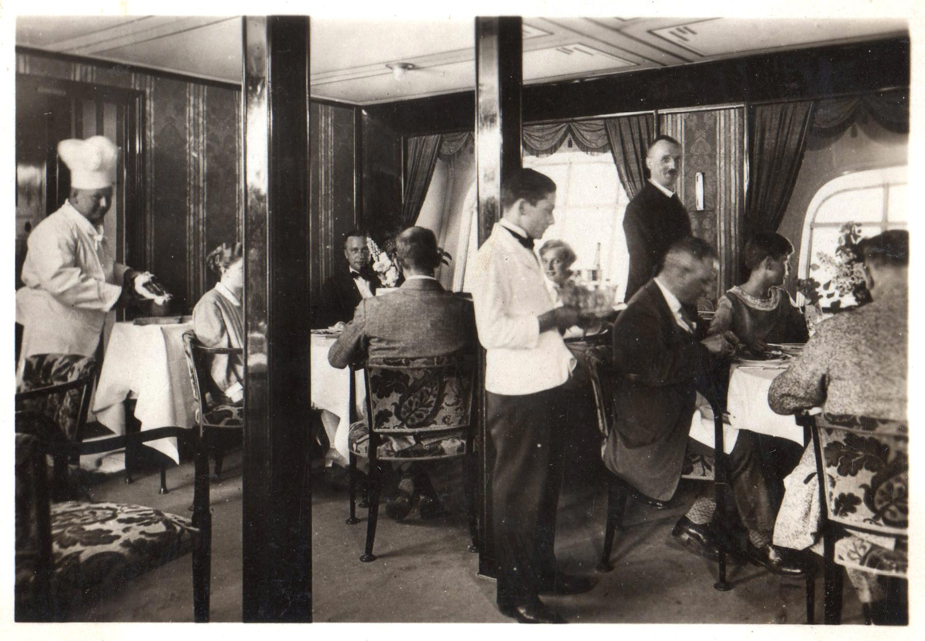 lz127-dining-room
