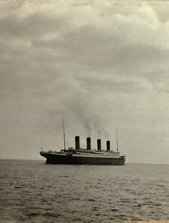 Last-Photo-Titanic-Leaving-Queenstown