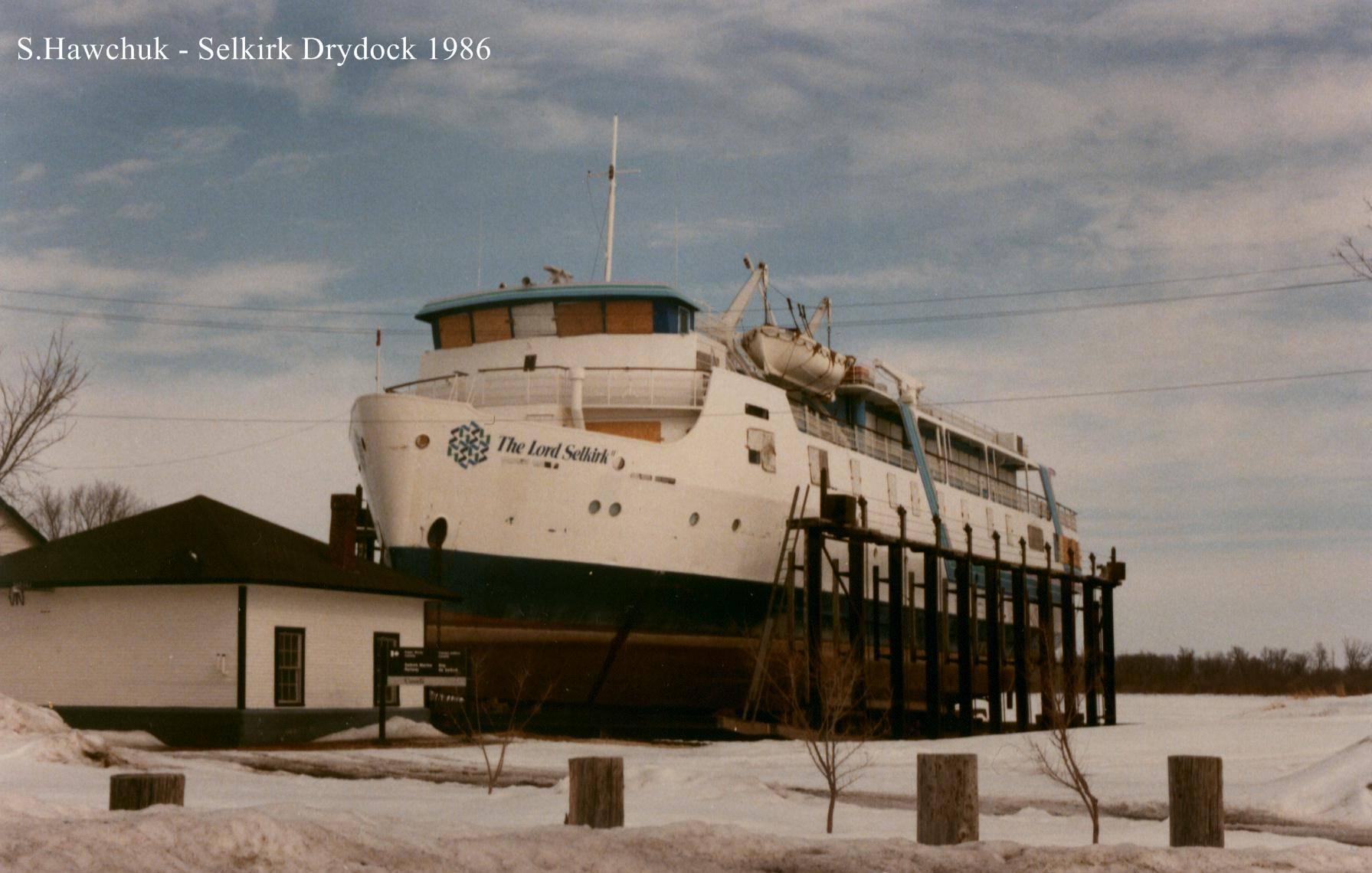 tn_1200_sh_lord_selkirk_1986_drydock_last_time.jpg