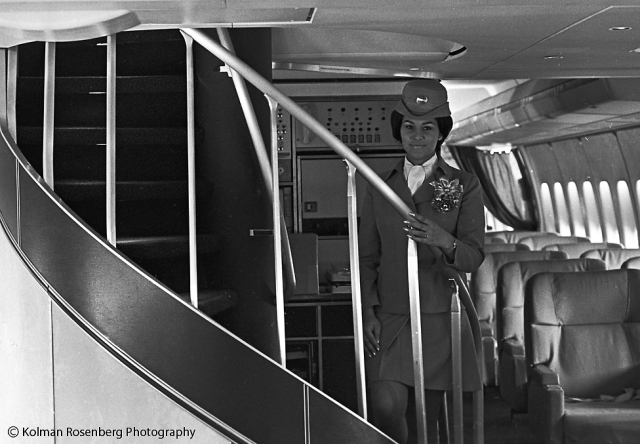 747-flight-attendant-sm