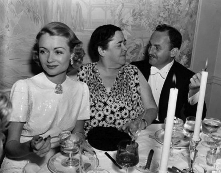 Constance Bennett, Elsa Maxwell and Darryl F. Zanuck (20th Century Fox).