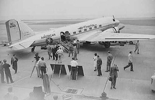 Brief History of American Airlines… Great video of air travel in the 1930s… Including a piano bar…