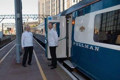 blue_pullman_coach_and_stewards